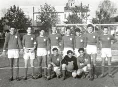 """Cattolica 1955/56, via Del Prete, """"Folgore"""" (la squadra dei frati)."""