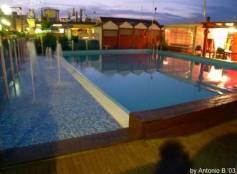 Spiaggia con piscina cattolica