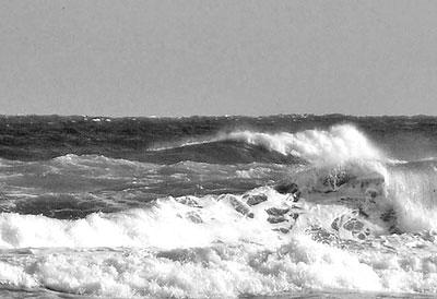 5 uomini in balia delle onde