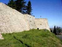 Mura di Montescudo