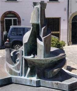 Morciano, piazza Umberto I Monumento di Umberto Boccioni