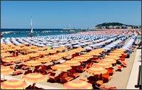 Ombrelloni in spiaggia a Cattolica
