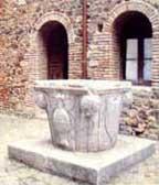 Pozzo decorato di Montefiore Conca