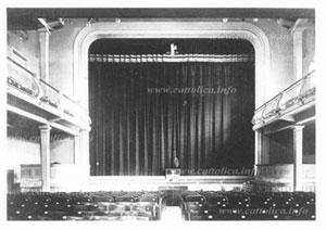 Il palco del Teatro Zacconi di Cattolica